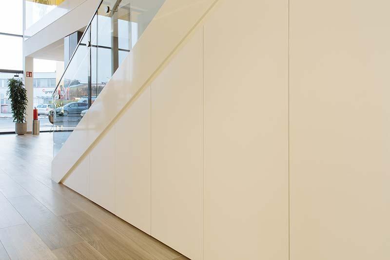 Holzzuschnitt Sonderform nach Maß in weiß